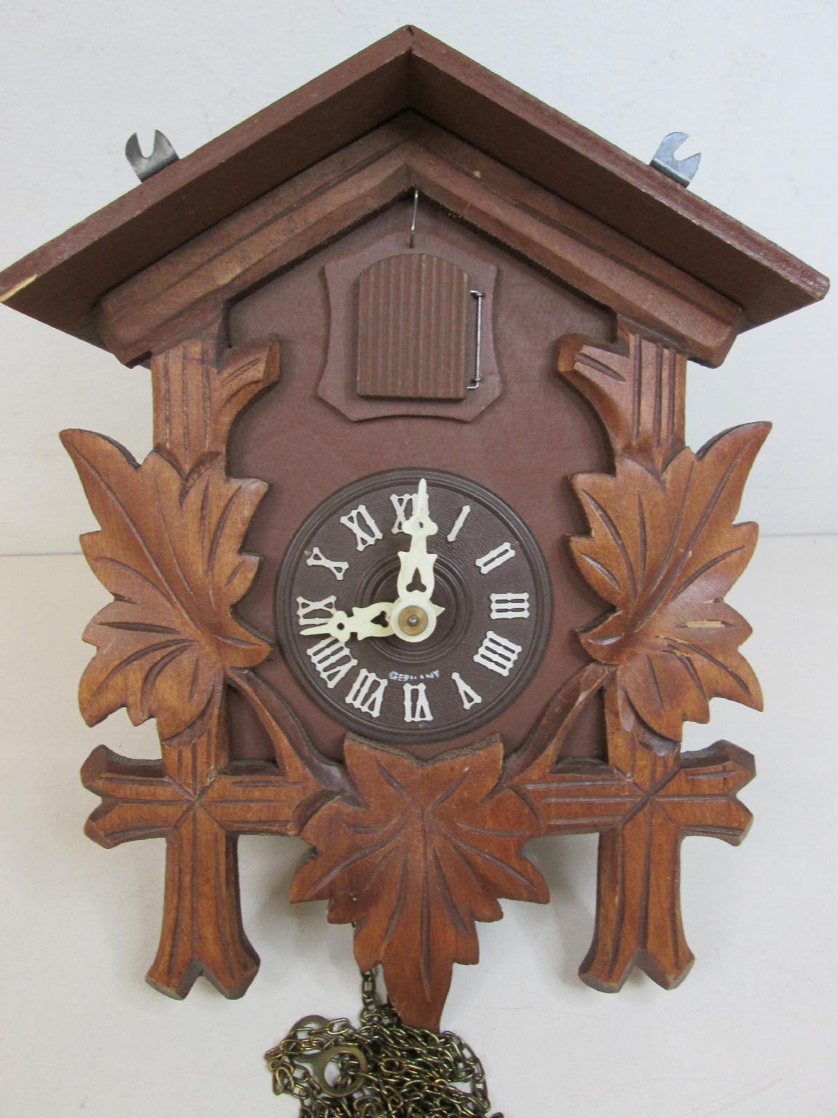 Vintage black forest regula mechanism wooden cuckoo clock ebay - Wooden cuckoo clocks ...
