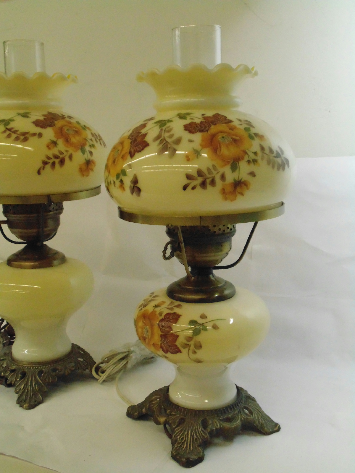 Pair of Vintage Hedco Hurricane Electric Table Lamps 17 ...