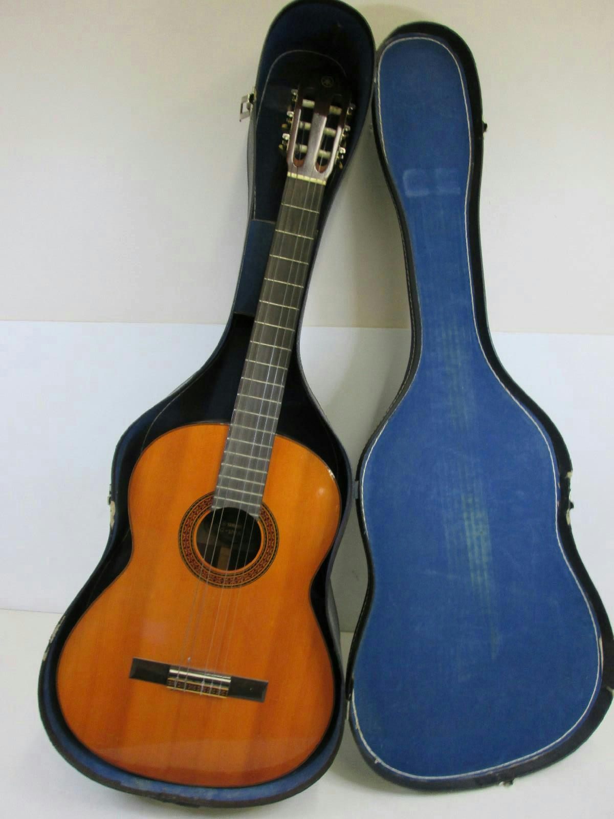 yamaha g100a classical acoustic guitar in hard case ebay. Black Bedroom Furniture Sets. Home Design Ideas