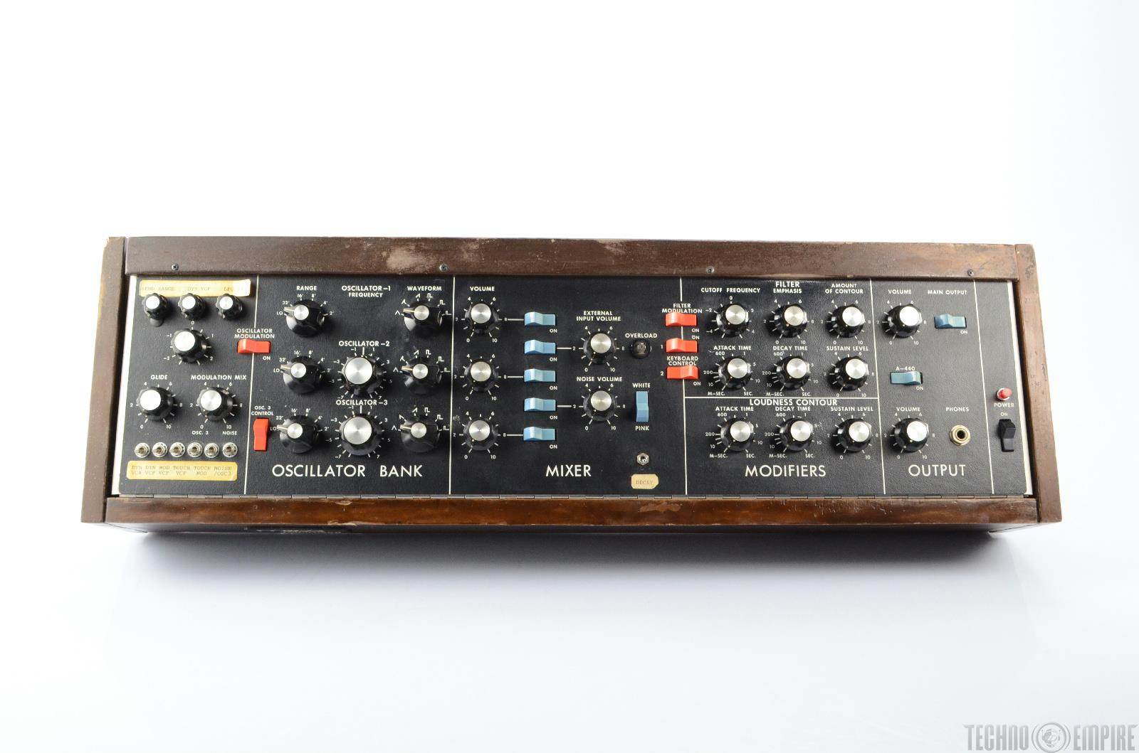 moog minimoog model d analog synthesizer cv  midi ready