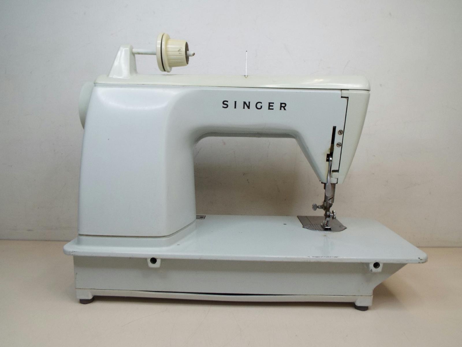 a932b75bdb649f Singer sewing machine fashion mate 252