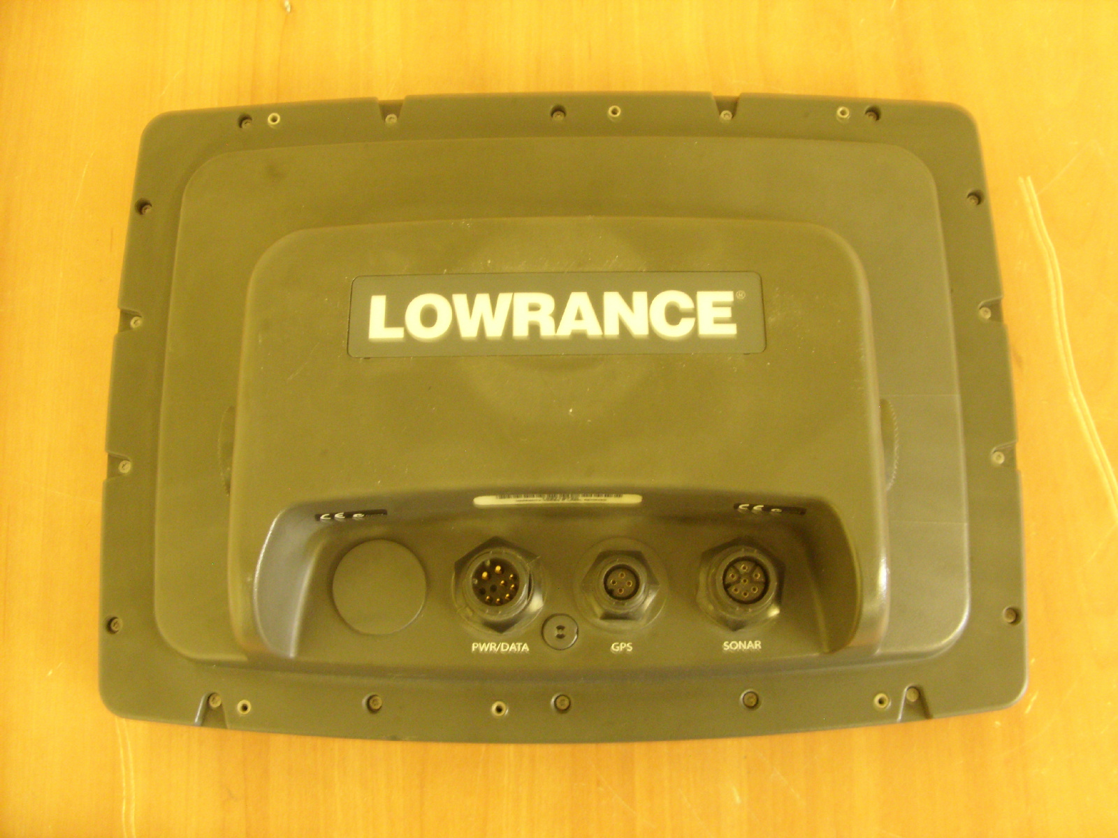 how to read a lowrance sounder