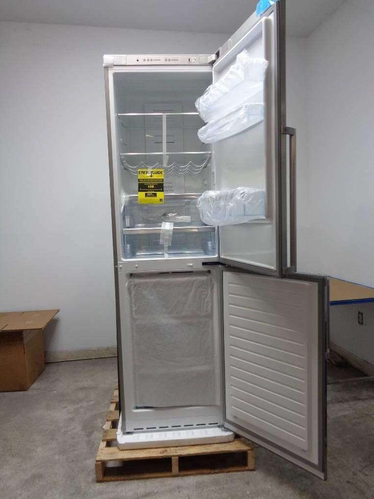 bosch 500 series 24 inch counter depth bottom freezer refrigerator b11cb50sss. Black Bedroom Furniture Sets. Home Design Ideas