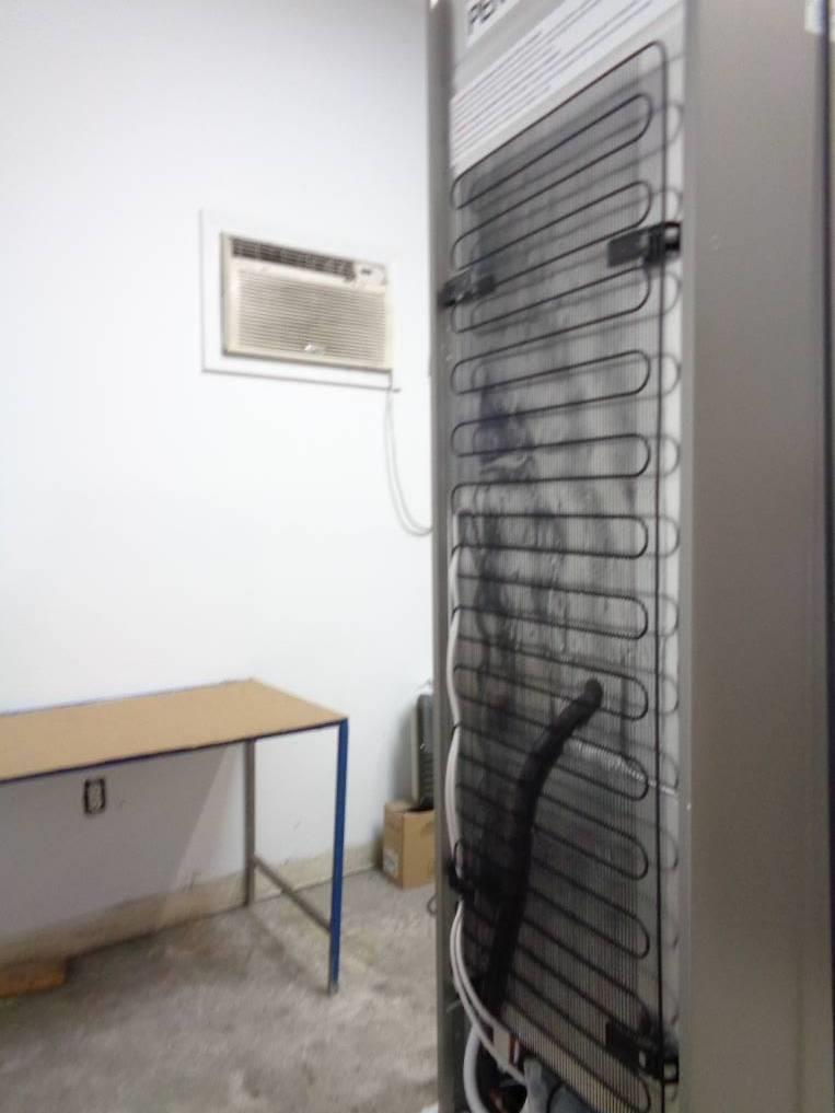 bosch 500 series 24 inch counter depth bottom freezer refrigerator b11cb50sss ebay. Black Bedroom Furniture Sets. Home Design Ideas