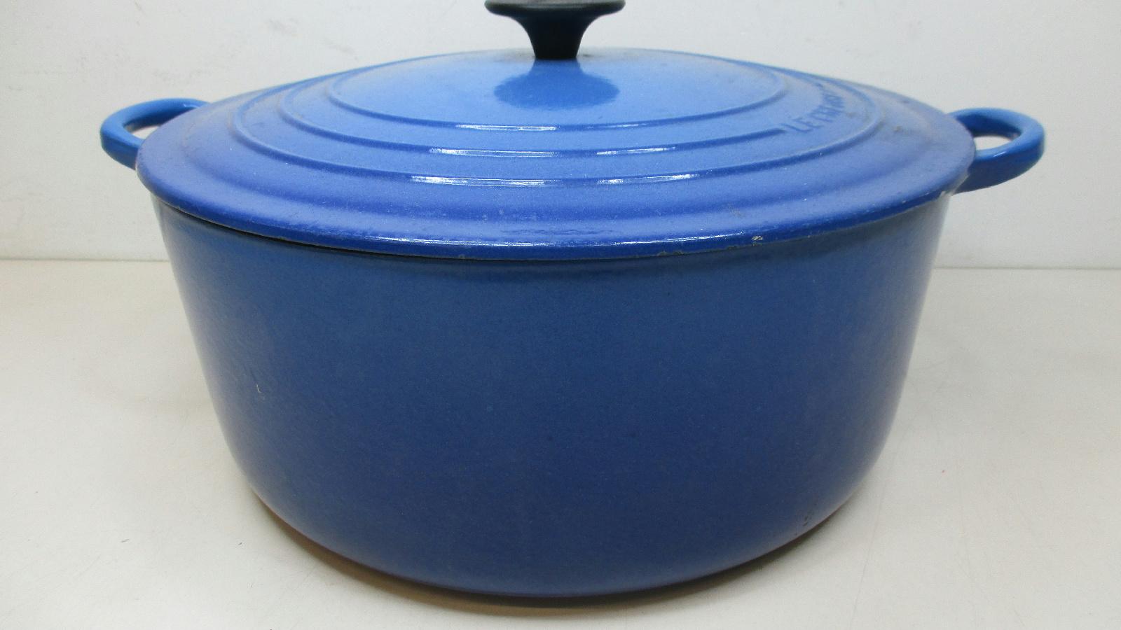 le creuset cobalt blue enamel cast iron dutch oven soup pot with lid france 30 ebay. Black Bedroom Furniture Sets. Home Design Ideas