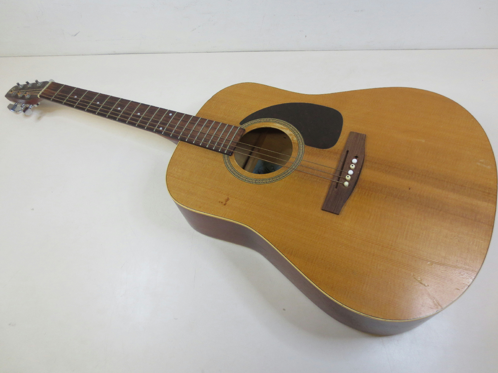 seagull s6 acoustic dreadnought guitar for repair needs saddle pin strings ebay. Black Bedroom Furniture Sets. Home Design Ideas