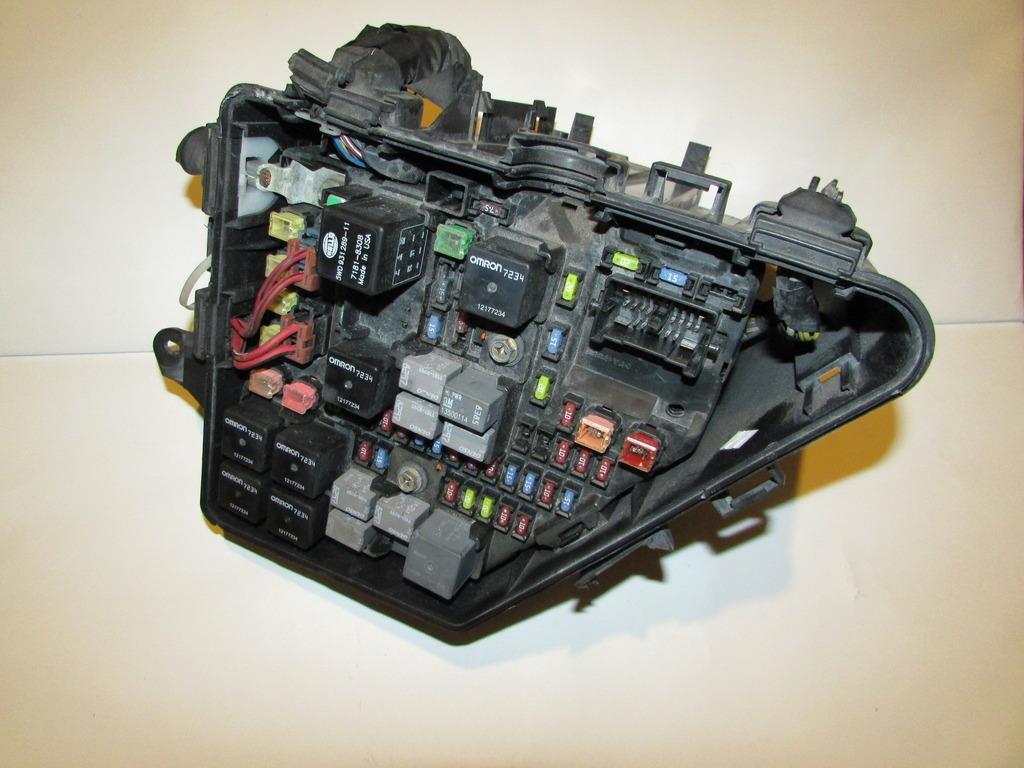 24729730 04 07 cadillac cts under hood relay fuse box block panel warranty fuse box warranty at soozxer.org