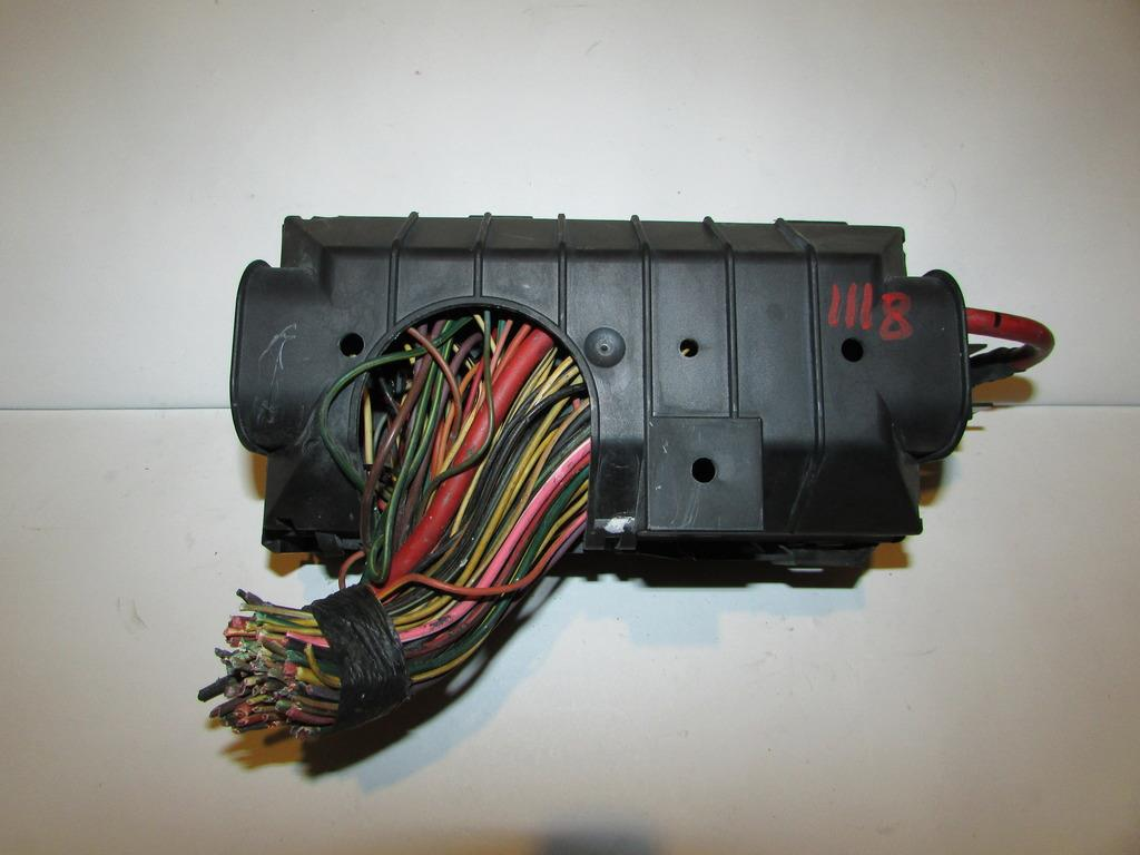 2004 Ford Expedition Fuse Box Under Hood : Ford expedition under hood relay fuse box block
