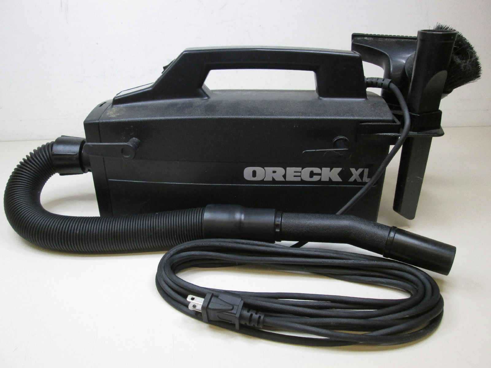 Oreck Xl Type 3 Bb870 Ad Compact Handheld Vacuum Cleaner