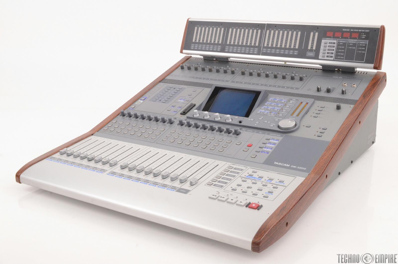 tascam dm 3200 24 bit 96 khz digital mixing console w meter bridge 24144 ebay. Black Bedroom Furniture Sets. Home Design Ideas