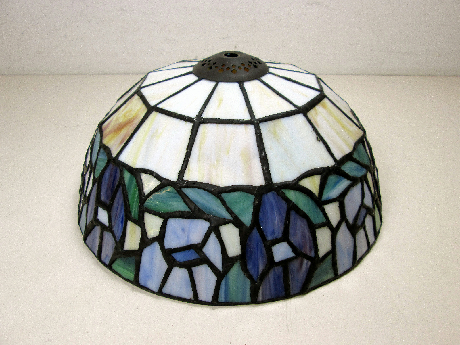 details about stained glass tiffany style floral lampshade lamp shade. Black Bedroom Furniture Sets. Home Design Ideas