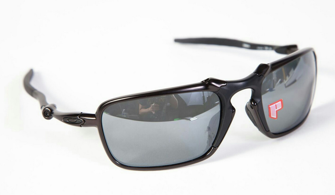Oakley Badman Dark Carbon/Black Iridium Polarized nCgfmkCso