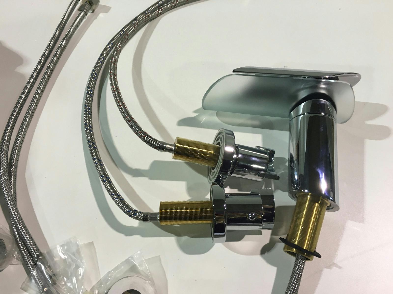 LaToscana Morgana Single Hole 1 Handle Low Arc Bathroom Faucet New EBay