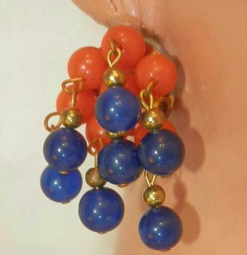 Cute-Red-And-Blue-Lucite-Clip-Dangle-Cha-Cha-Earrings-115MY6