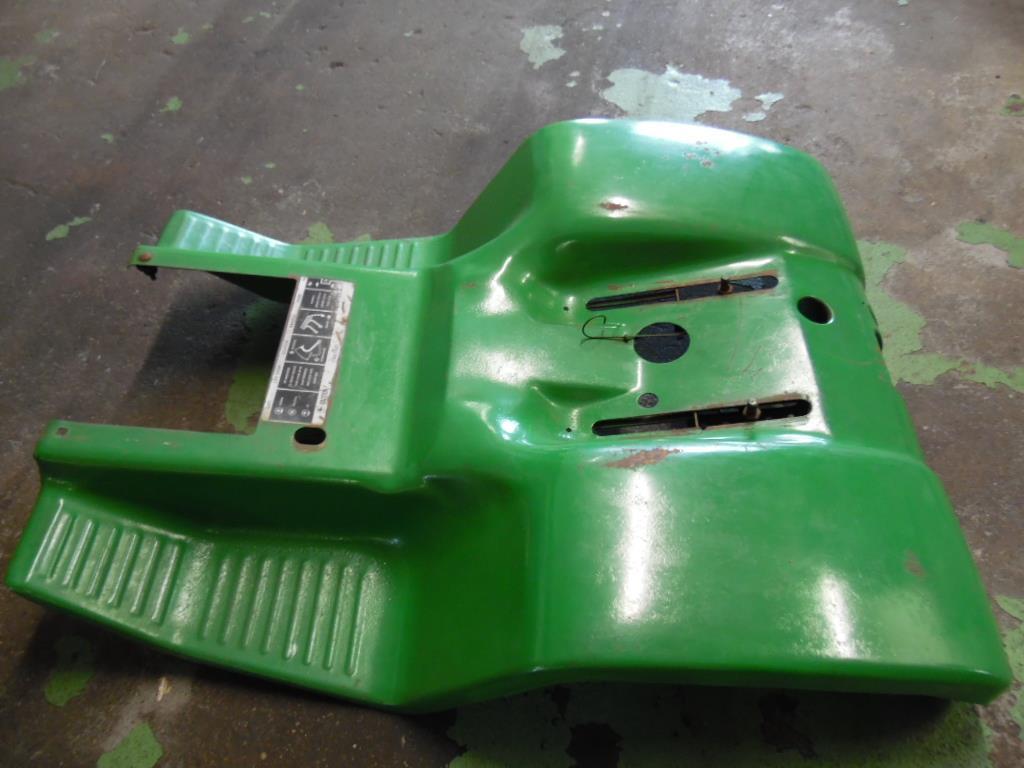Mt John Deere Fenders : John deere lawn garden tractor h fender pan nla