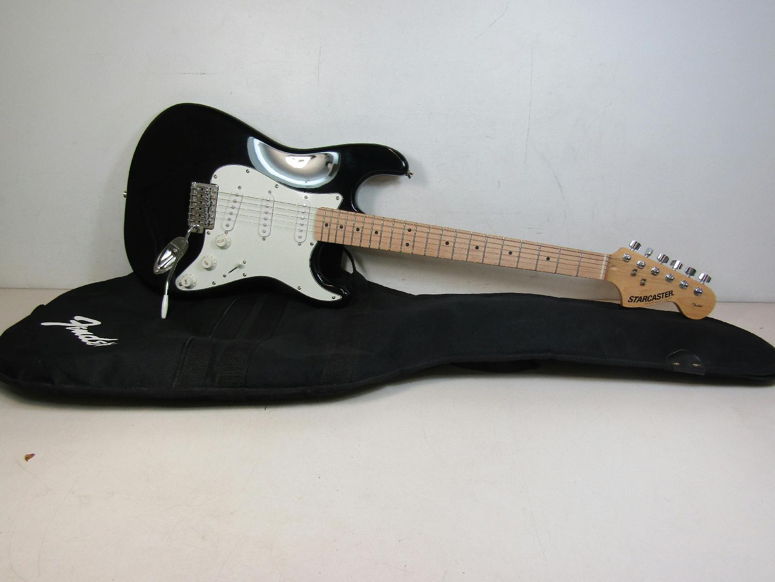 fender starcaster electric guitar black white fender padded gig bag tested ebay. Black Bedroom Furniture Sets. Home Design Ideas