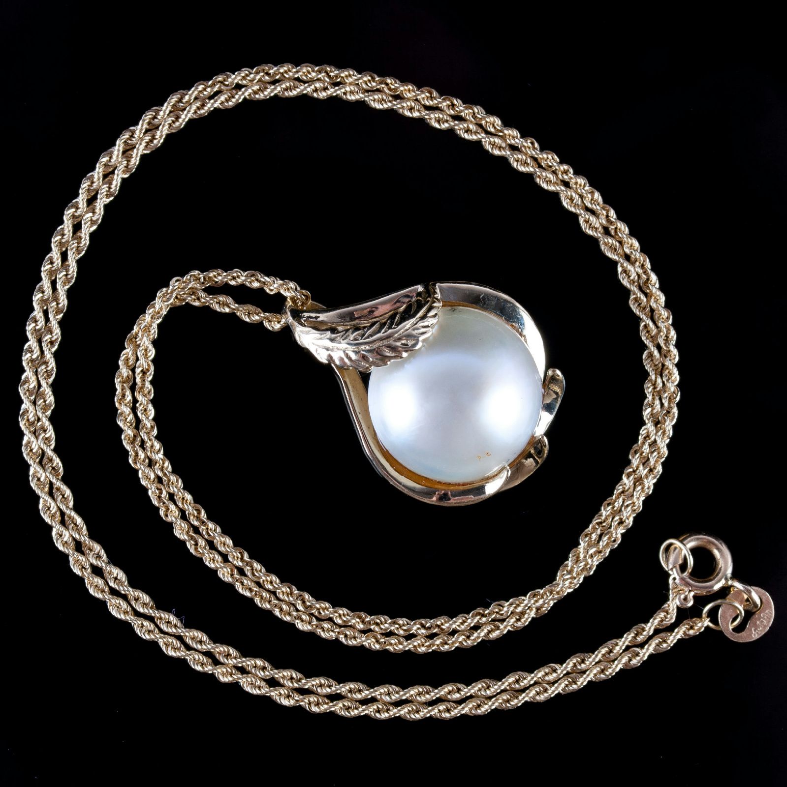 Mabe Pearl Necklace: 14k Yellow Gold Round Cabochon Cut Cultured Mabe Pearl
