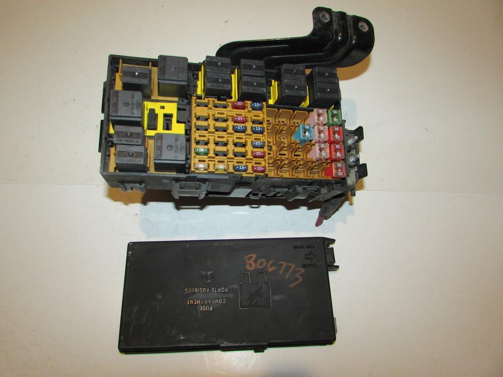 Fuse Box 99 Ford Explorer Wiring Library Tacoma 01 2 Door Sport 40l V6 Under Hood Relay