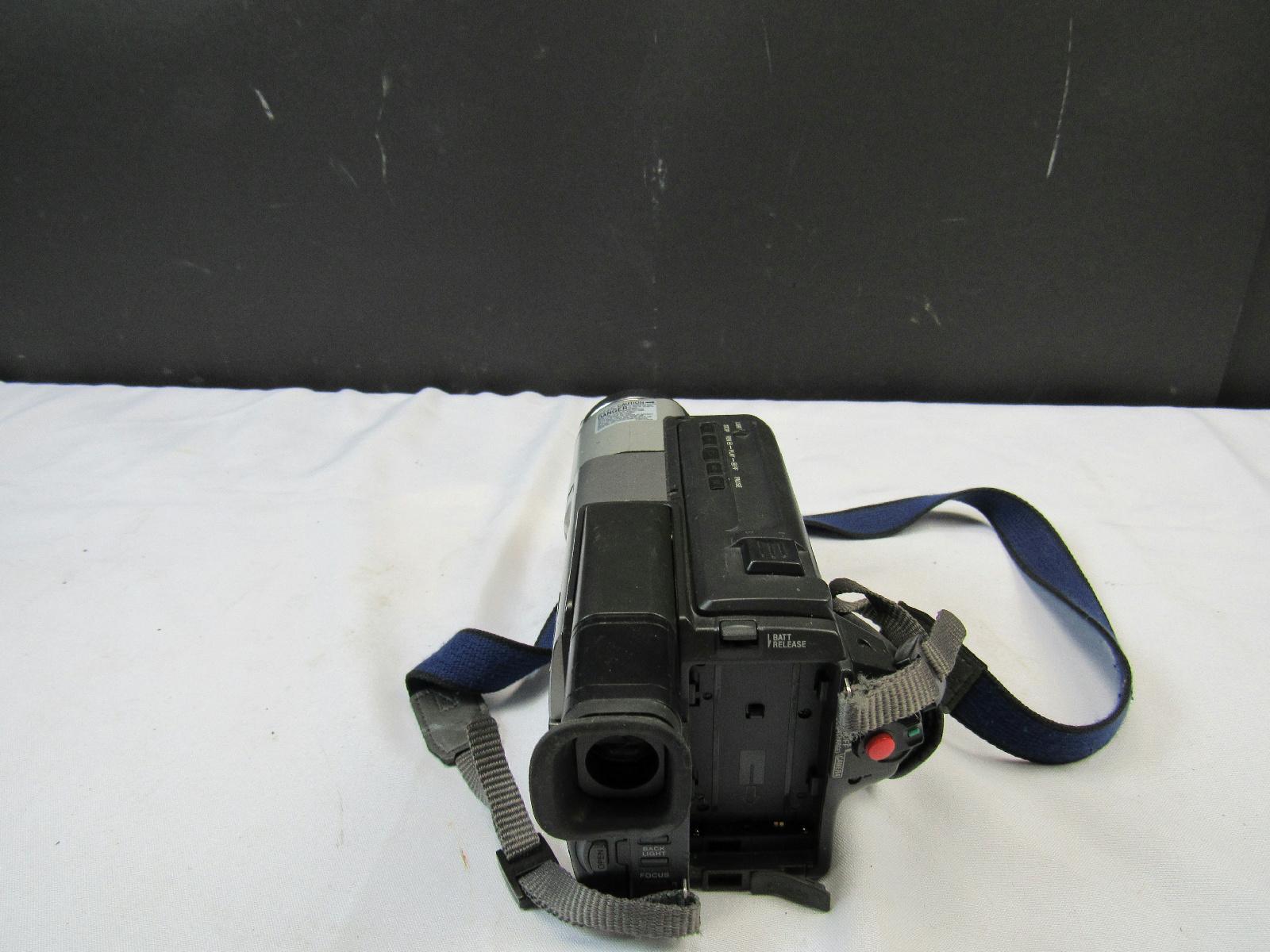 sony ccd trv68 ntsc hi8 handycam vision camcorder Sony Handycam Camcorder Manual