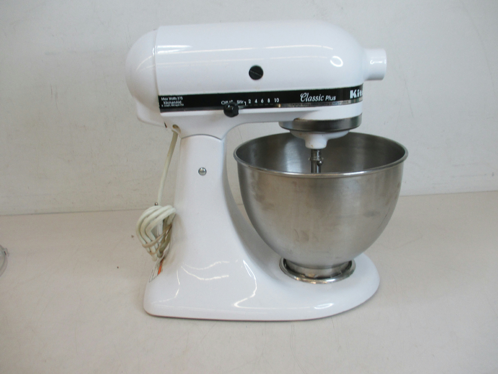 kitchenaid classic plus model ksm75wh 4 5 qt stand mixer bundle tested ebay. Black Bedroom Furniture Sets. Home Design Ideas