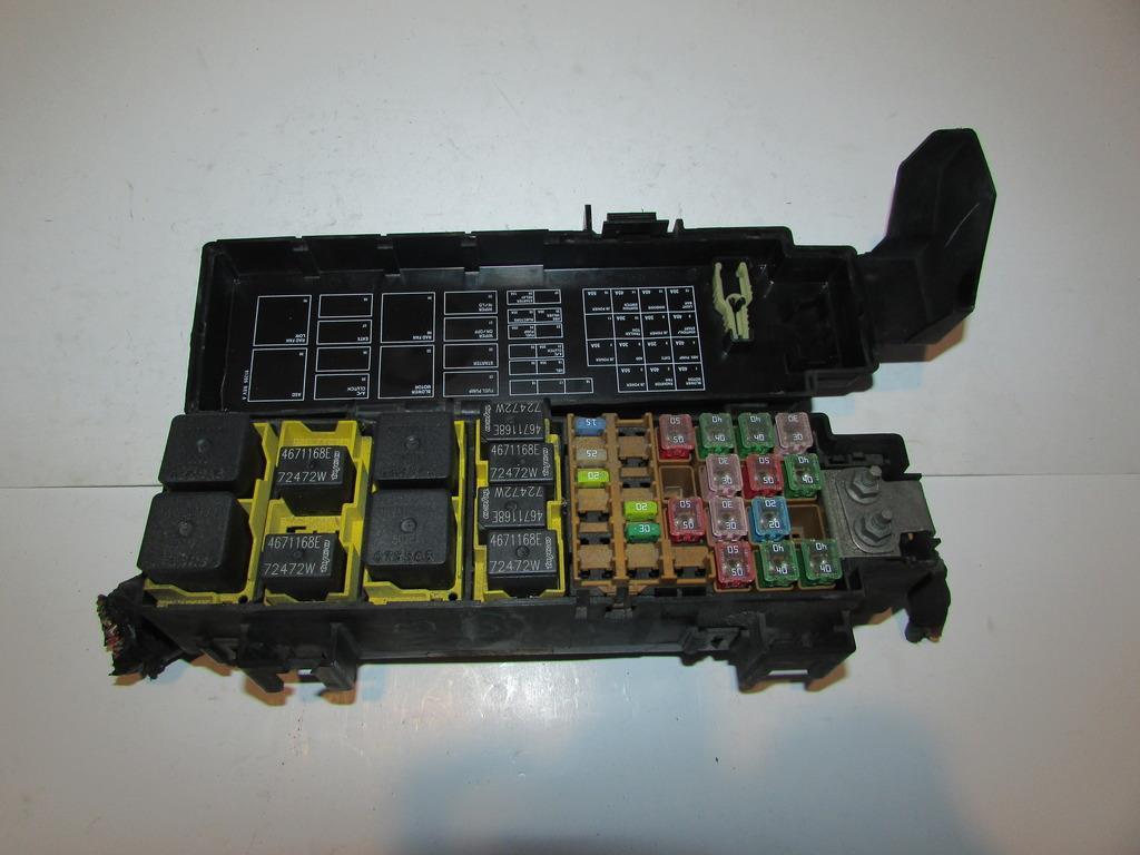 28279875 03 07 jeep liberty 3 7l v6 mpi under hood relay fuse box block 2002 jeep liberty under hood fuse box at cos-gaming.co