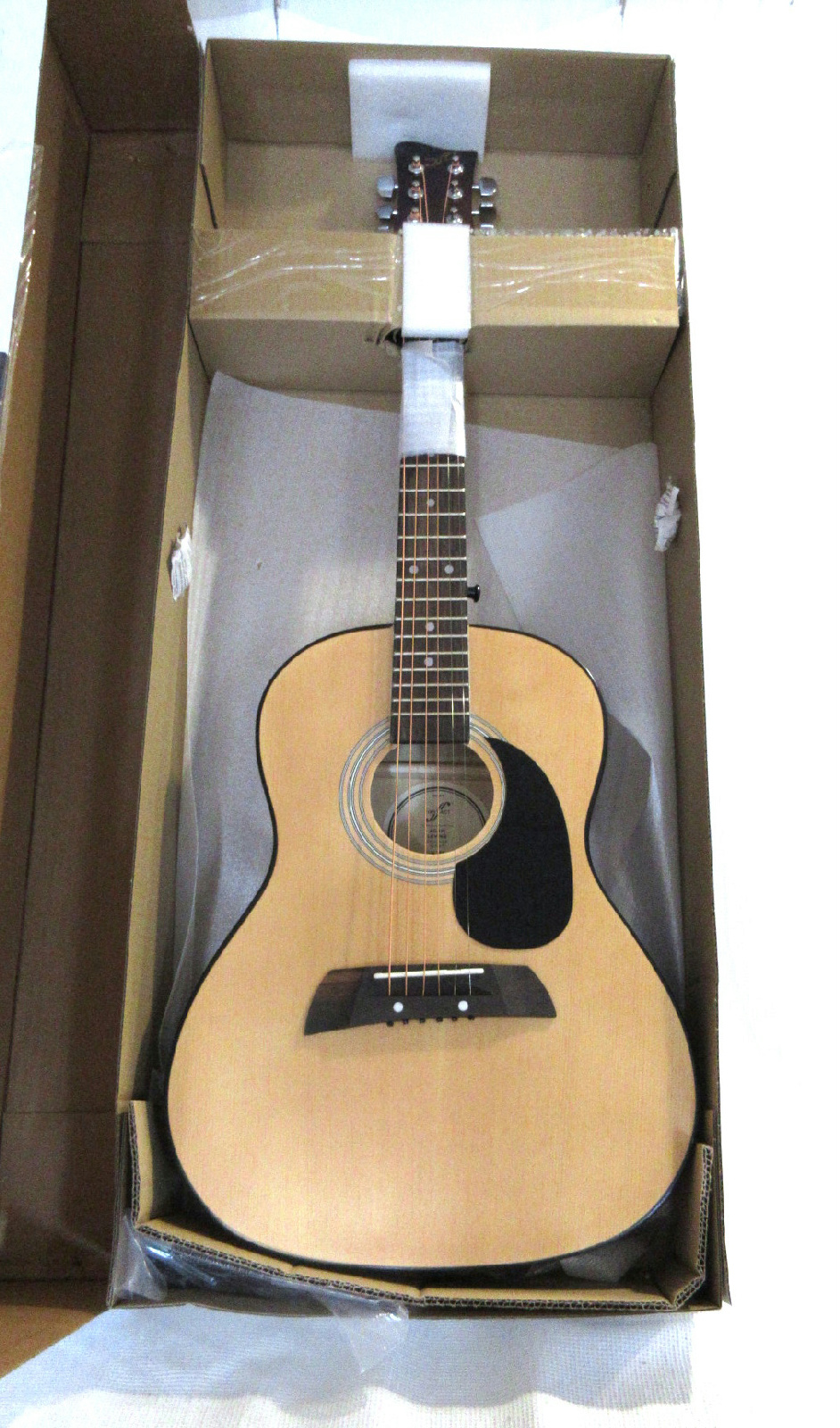 new first act adam levine designer series acoustic guitar with strap and picks ebay. Black Bedroom Furniture Sets. Home Design Ideas