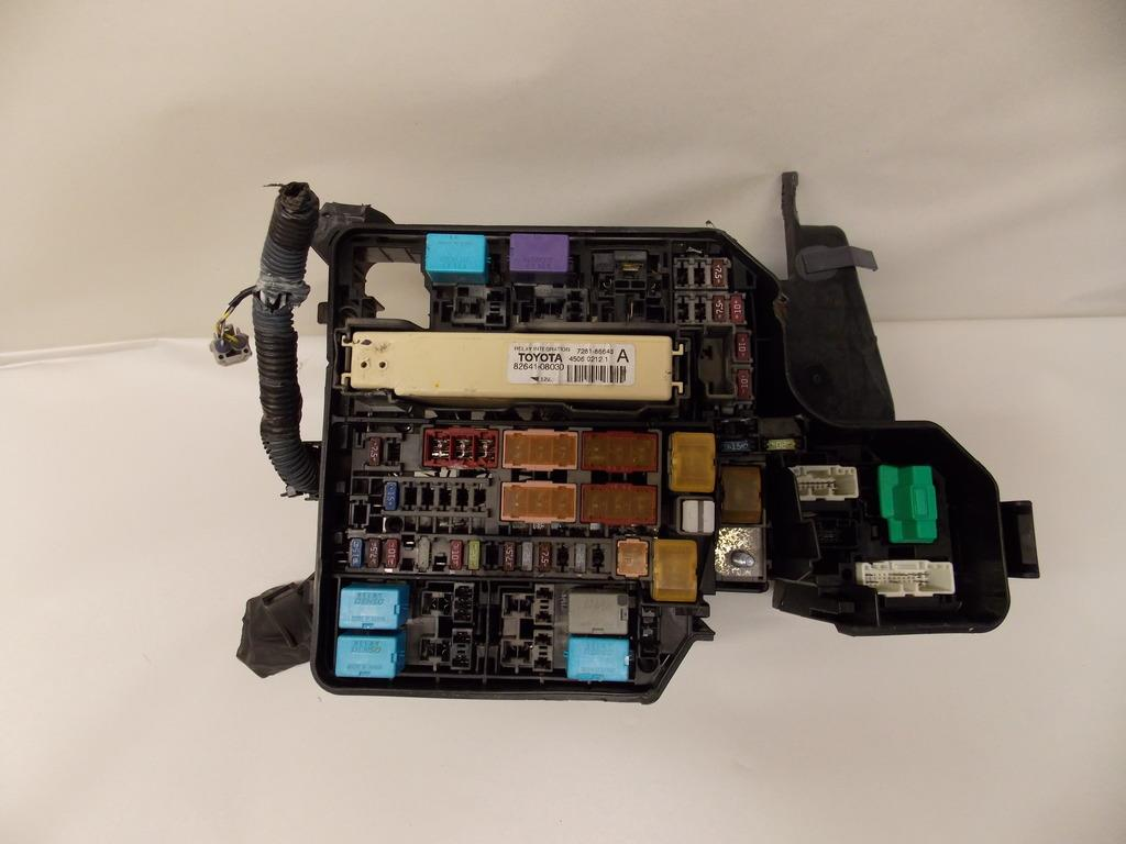 Toyota Old Fuse Box Wiring Library 2010 Tacoma 11 14 Sienna 35l Under Hood Relay Block Warranty 1640