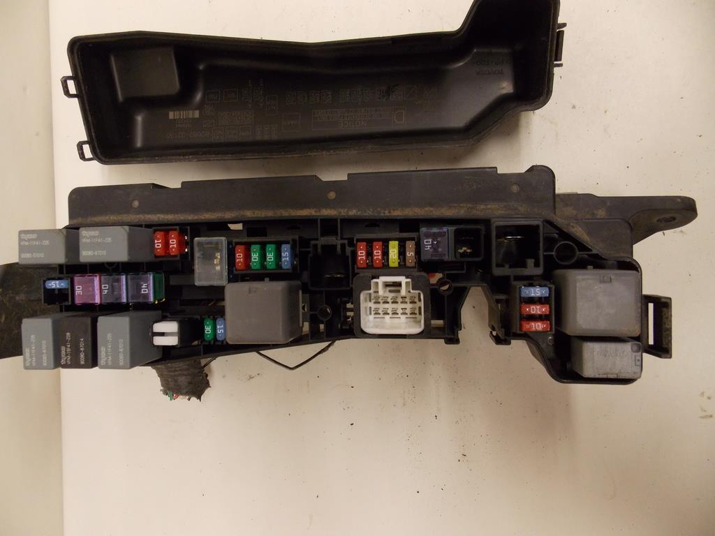 Toyota Matrix Under Hood Fuse Box Layout Wiring Diagrams Location 05 08 Hatchback 1 8l Bajo Garant A De Bloque Rh Ebay Com 2003