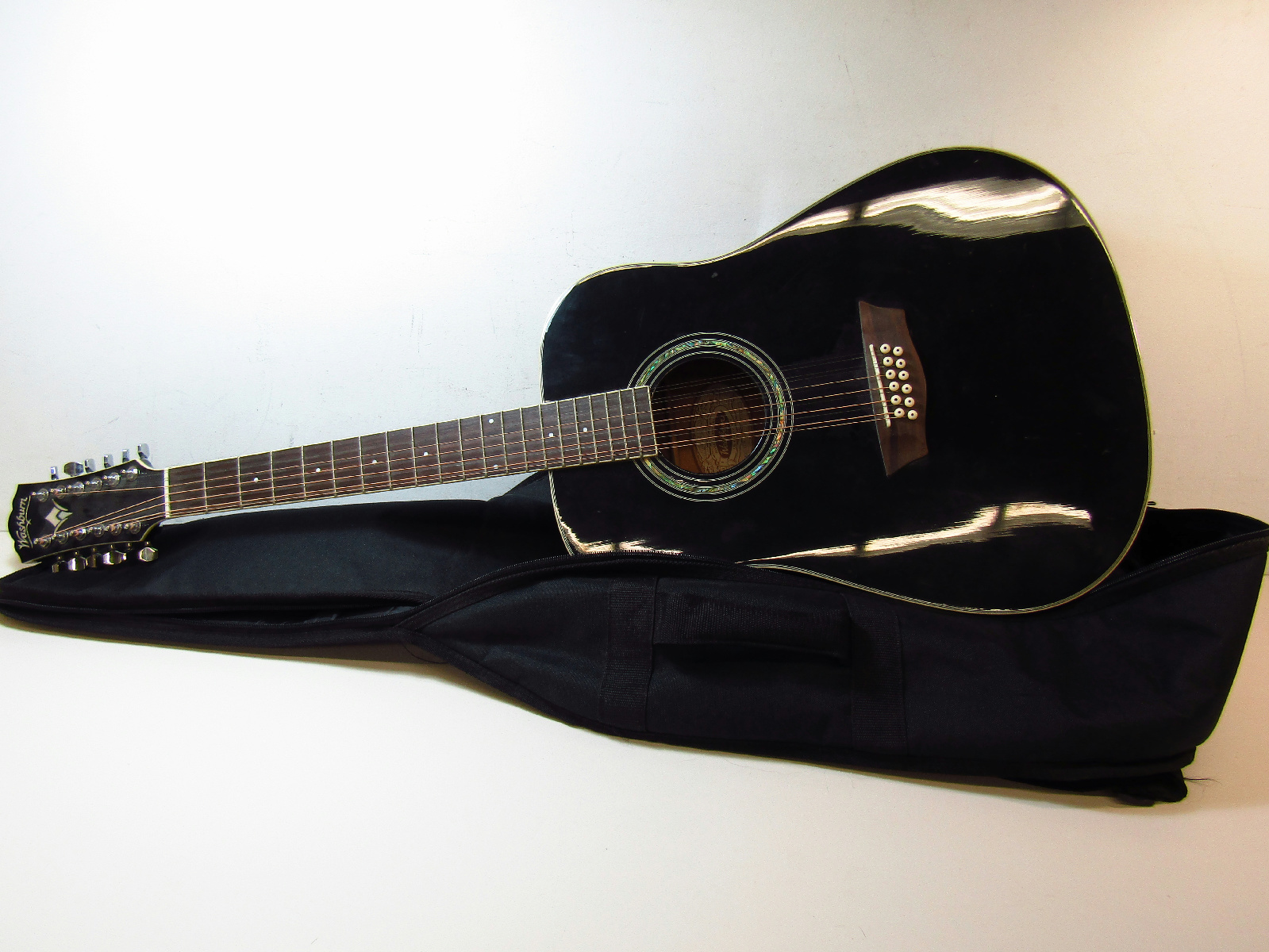 washburn black acoustic 12 string guitar wd5s 12b in soft case. Black Bedroom Furniture Sets. Home Design Ideas