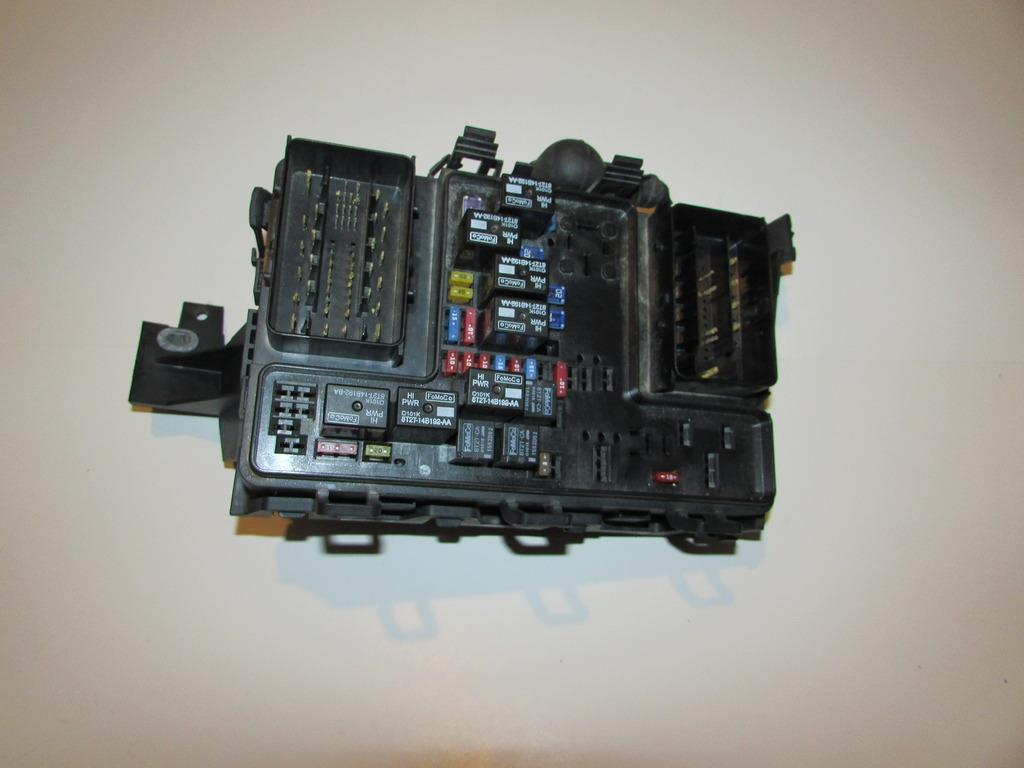 13-14 Lincoln MKZ 2.0L Under hood Relay Fuse Box Block Warranty #1749