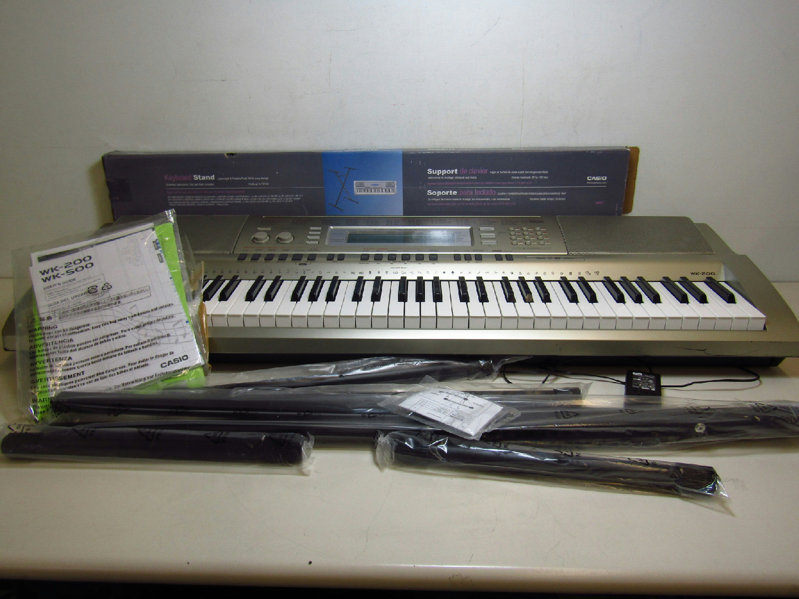 casio wk 200 76 key electronic keyboard with keyboard stand musical instrument ebay. Black Bedroom Furniture Sets. Home Design Ideas
