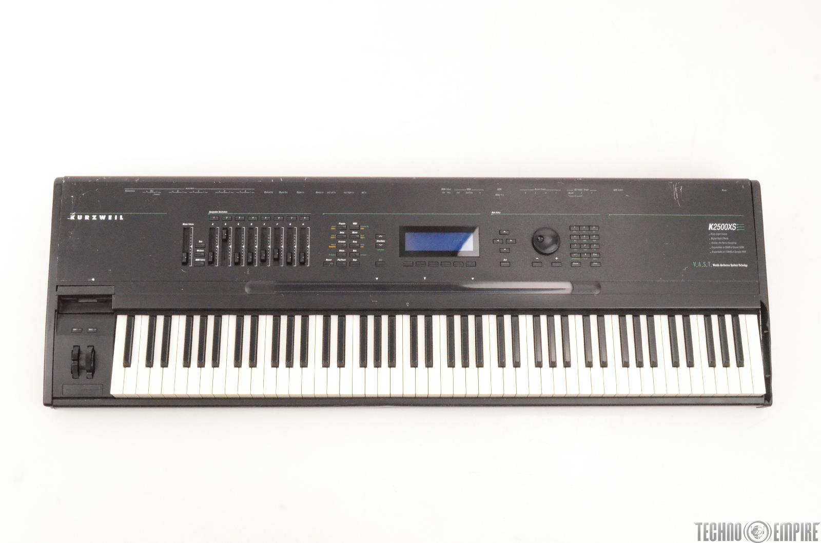 Kurzweil K2500XS 88-Key Synthesizer Sequencer Keyboard FOR PARTS #27137