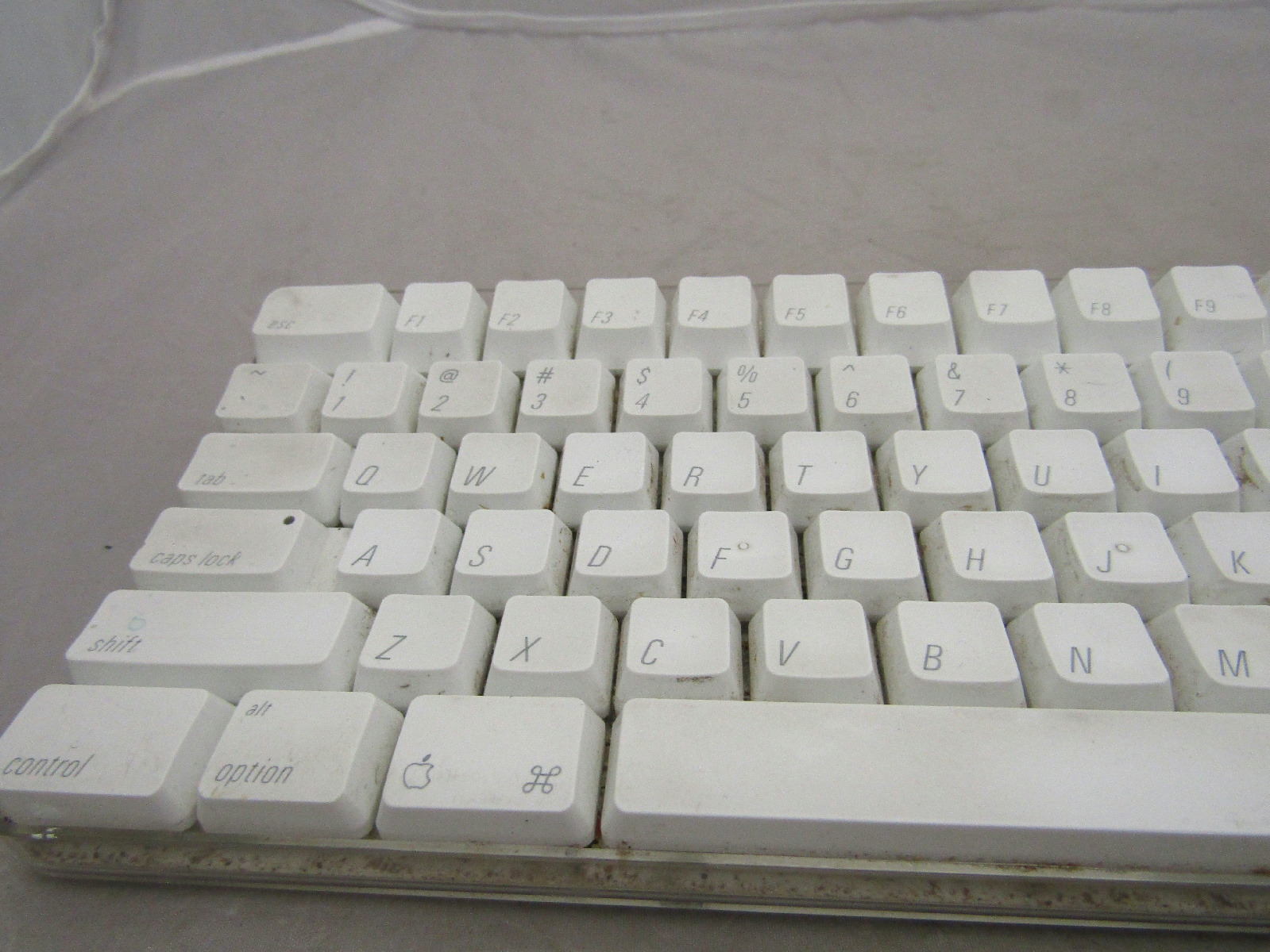 apple mac a1048 wired usb keyboard white computer peripheral ebay. Black Bedroom Furniture Sets. Home Design Ideas
