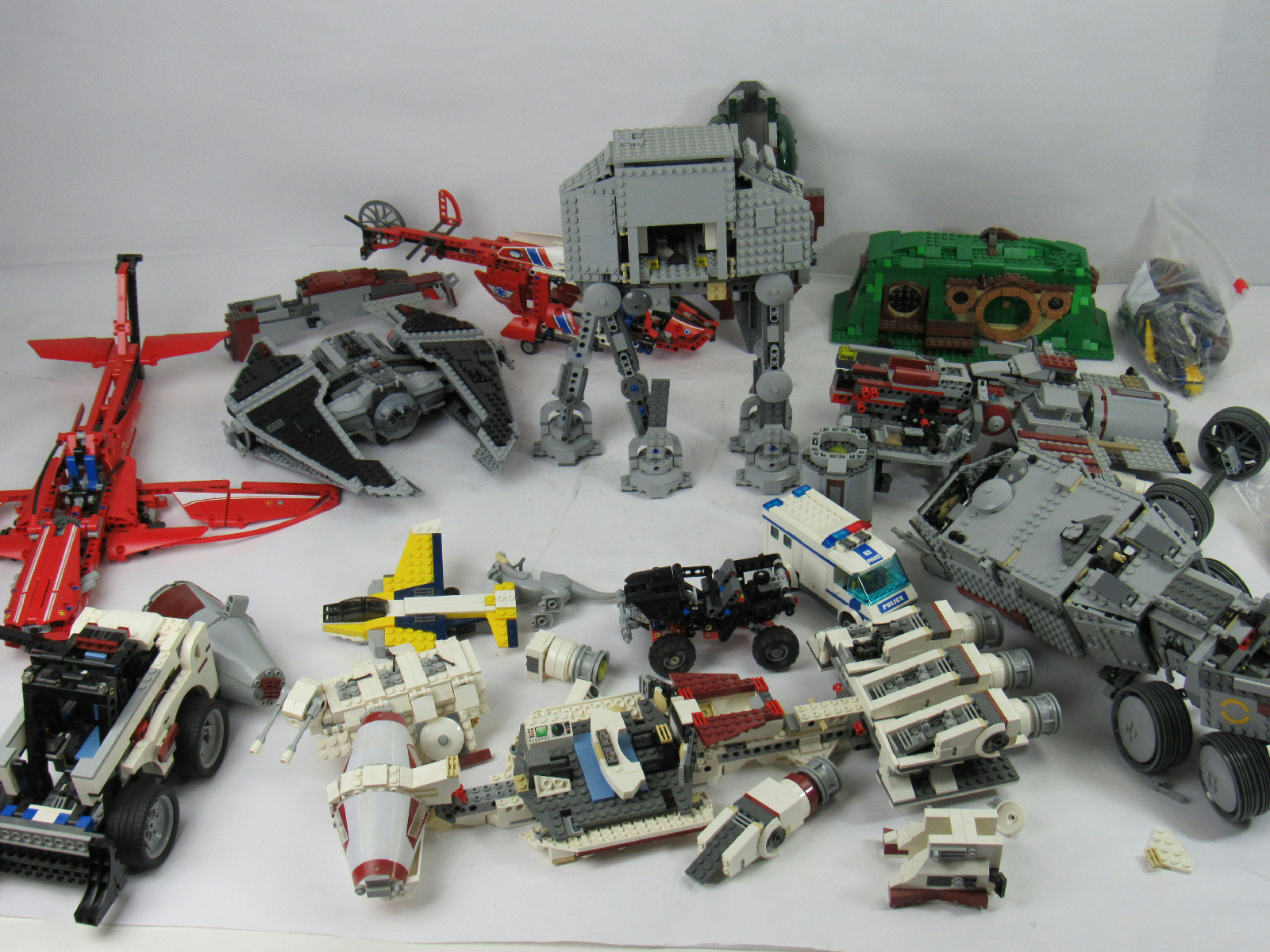 legos helicopter with 222354689726 on Bonus Acheter Les Jeux De Construction Lego Jurassic World Au Meilleur as well 2014 Lego City Police Town Sets likewise Walkthrough Lego Jurassic World Storyline Jurassic Park 2 The Lost World besides Watch also Second Half 2hy 2016 Lego Catalogue June December.