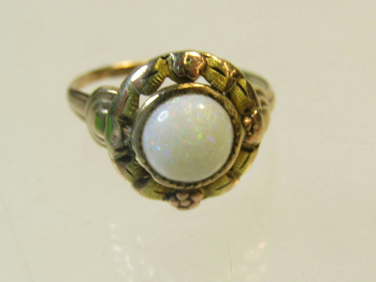 10k yellow gold jewelry ring vintage opal center