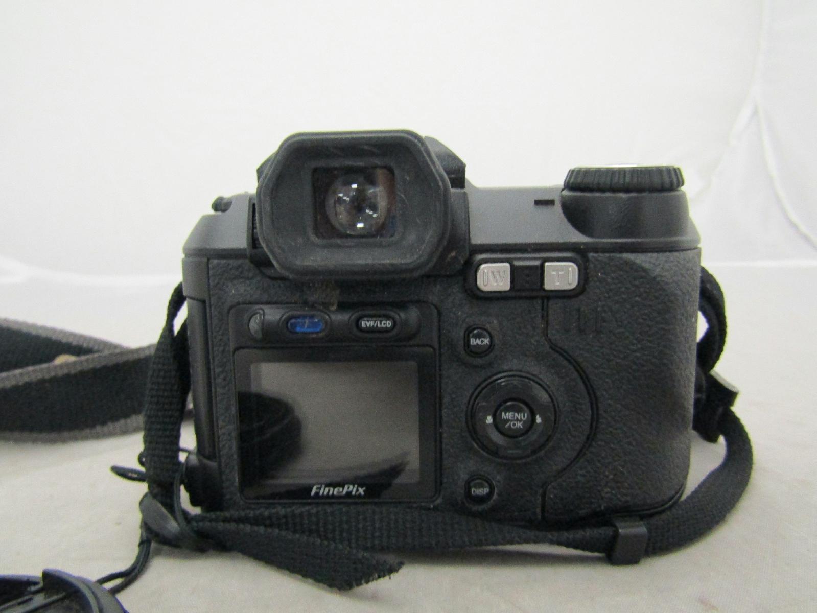 Fujifilm finepix s5000 digital camera 10x optical zoom 2 for Fujifilm finepix s5000 prix