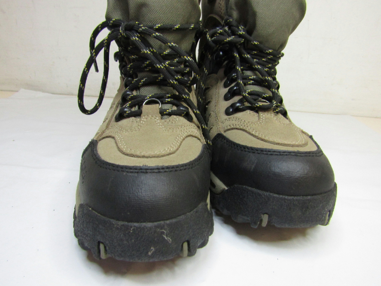 pair of cabelas womens plus thinsulate hiking boots