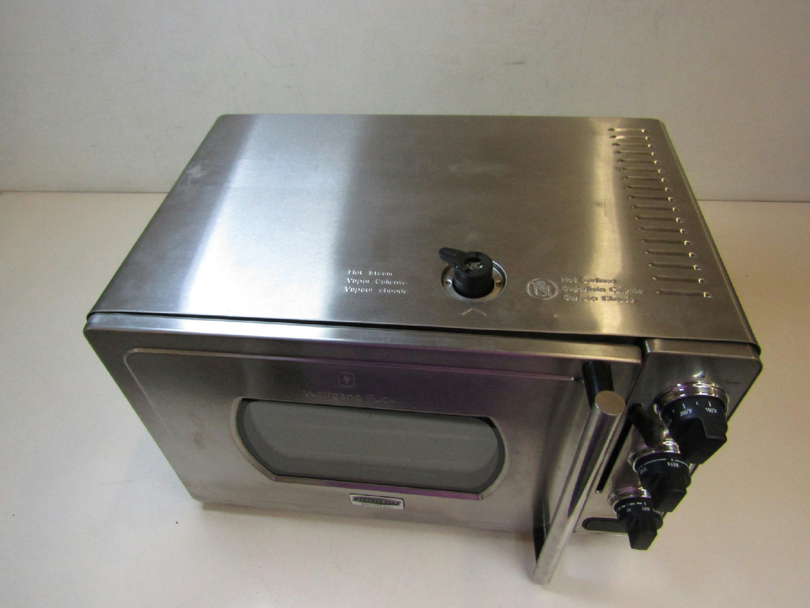 wolfgang puck pressure oven wolfgang puck kitchentek pressure oven wpror1002 b bundle 31353