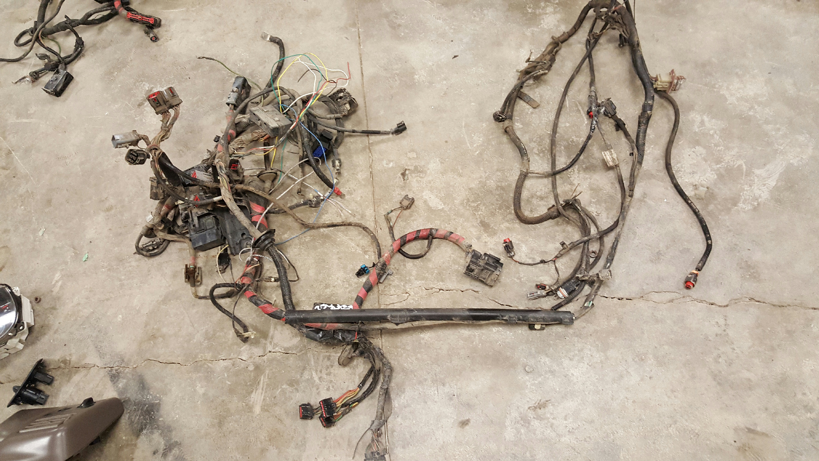 29508345  Ford Engine Wiring Harness on ford 7.3 battery harness, ford 7.3 engine cover, ford 7.3 engine fuel pressure regulator, 7.3 powerstroke engine wiring harness, ford 7.3 injector harness,