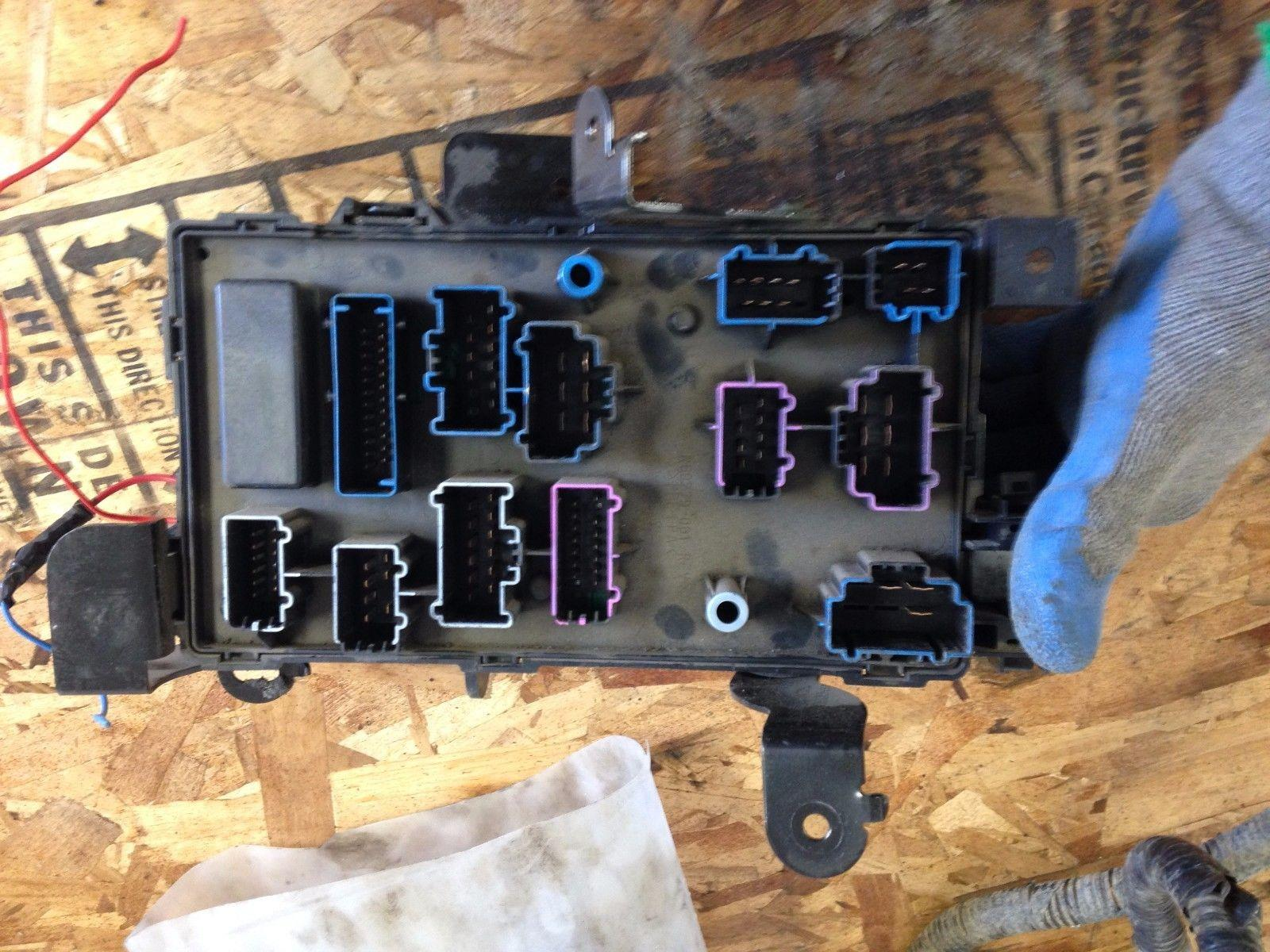 2005-2007 ford f250/f350 lariat under dash fuse box | ebay 2007 ford f250 fuse box 2006 ford f250 fuse box
