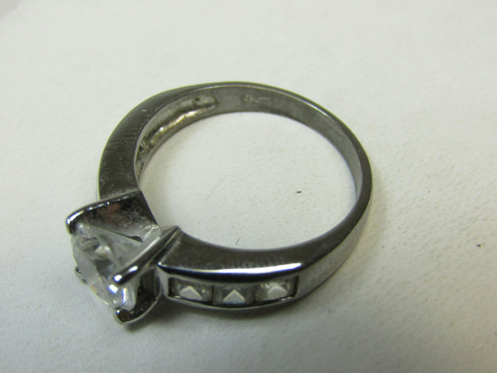 sterling silver failed magnet jewelry ring white faceted