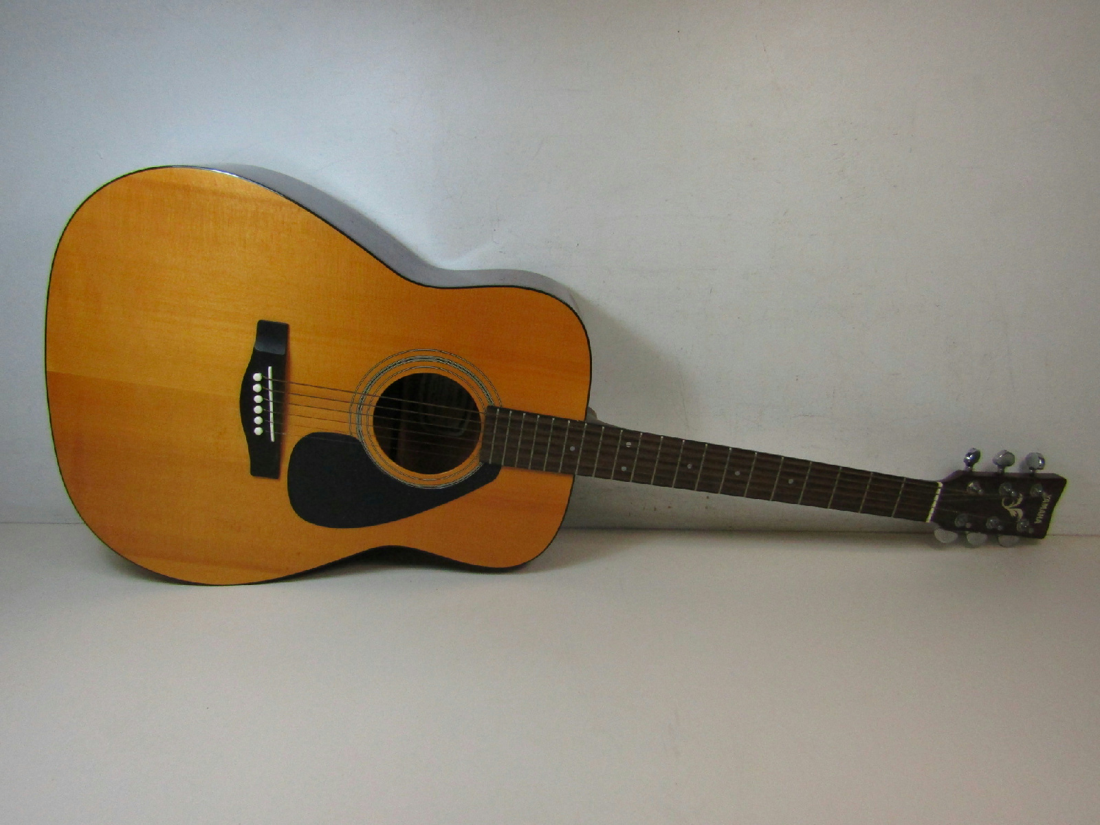 Yamaha fx 335 acoustic electric guitar ebay for Yamaha acoustic guitar ebay