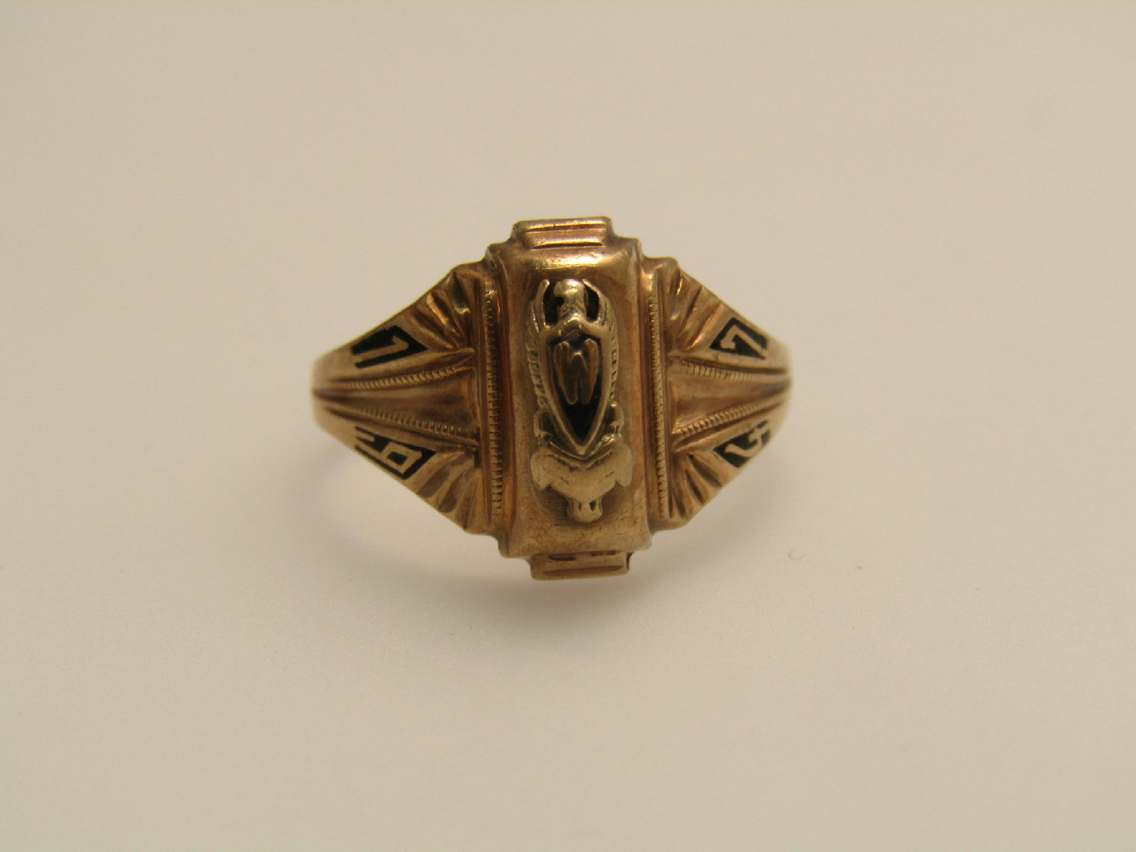 balfour 10k yellow gold vintage 1947 jewelry class ring w