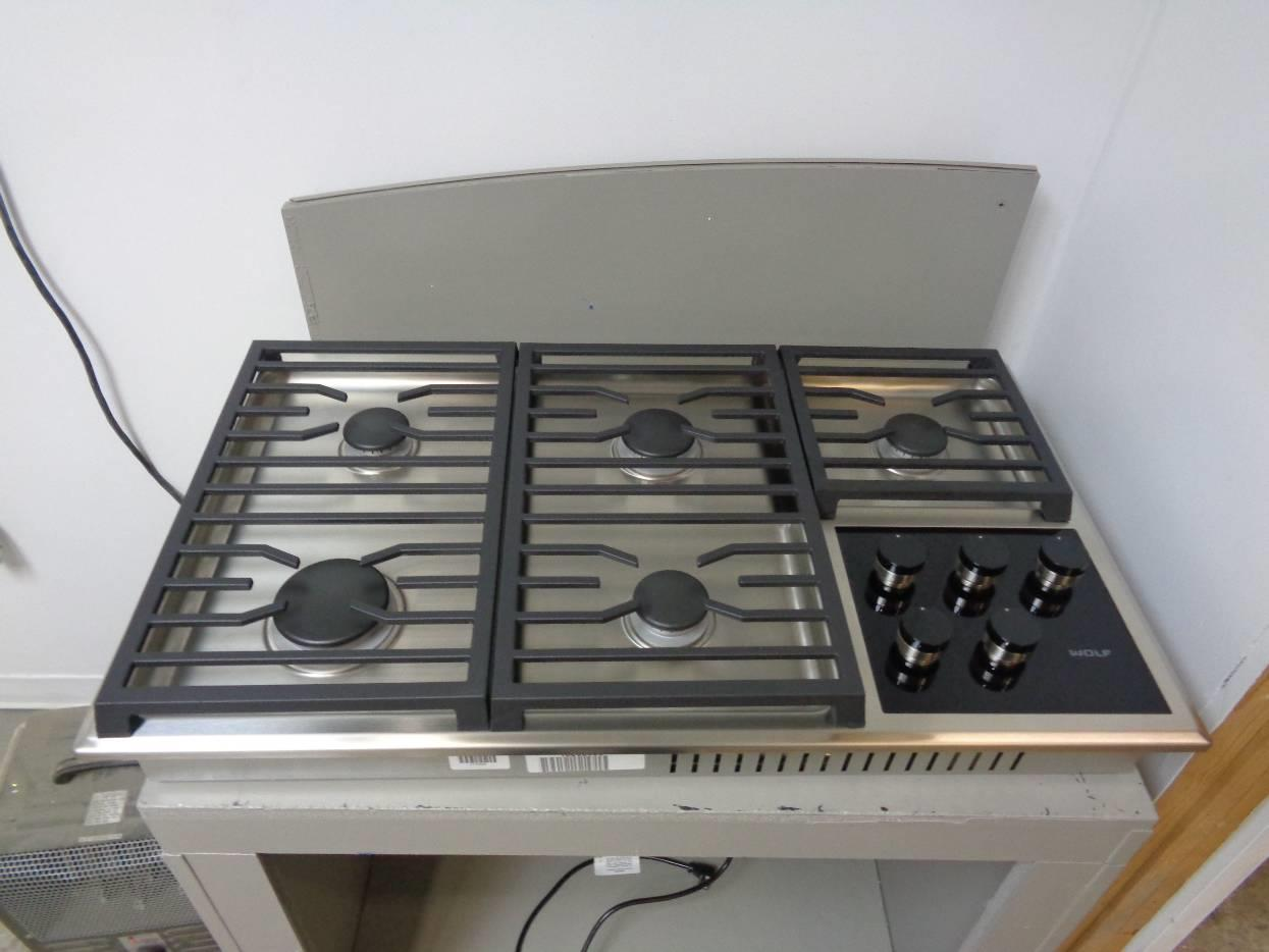 36 Inch Cooktops ~ Wolf cg ts inch dual stacked sealed burners