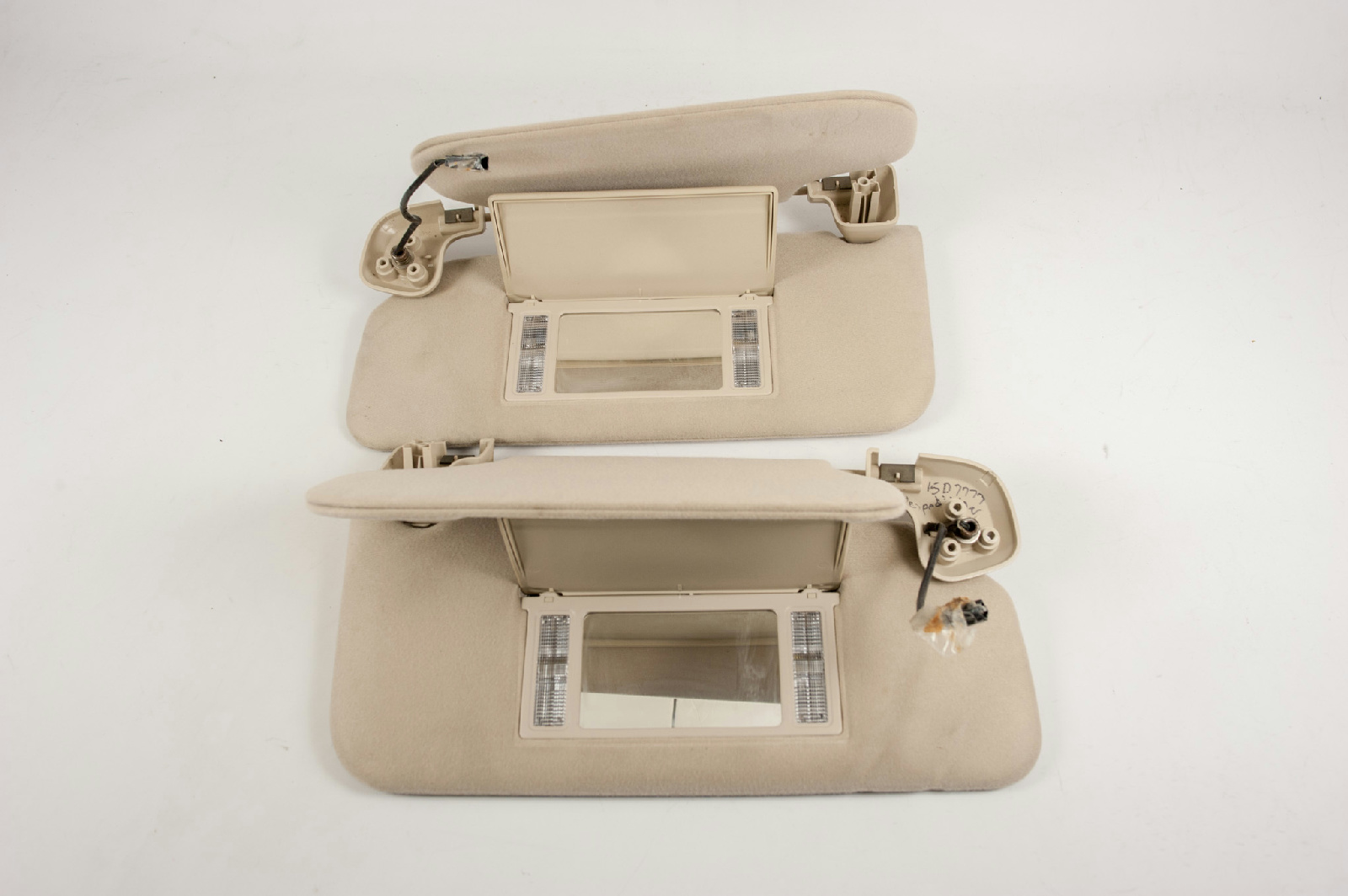 2003 2006 Ford Expedition Sun Visor Set W Double Panels Lighted Mirrors Ebay