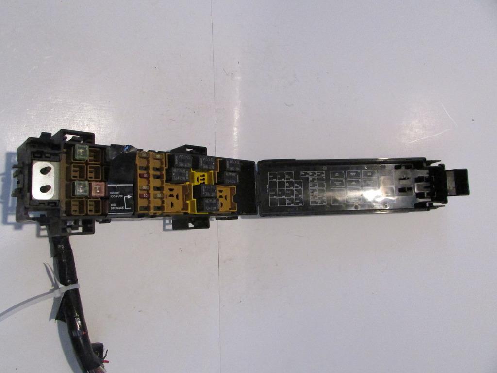30070890 00 02 jeep wrangler 4 0l v6 under hood relay fuse box block fuse box warranty at soozxer.org