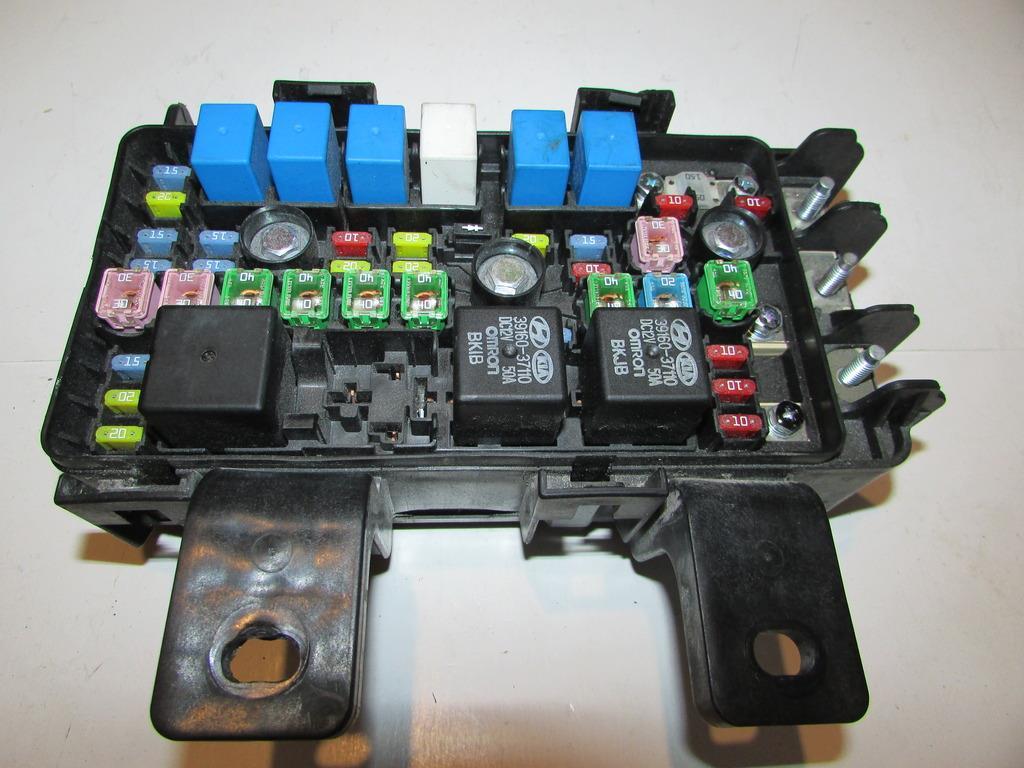 06 07 Hyundai Sonata 24l Sedan Gls Under Hood Relay Fuse Box Block 2007 1920