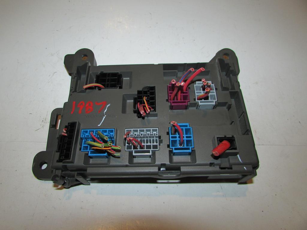 07 13 Bmw X5 30l Bajo Garanta De Bloque Campana Rel Caja Fuse Box Under Hood Relay Block Warranty 1987