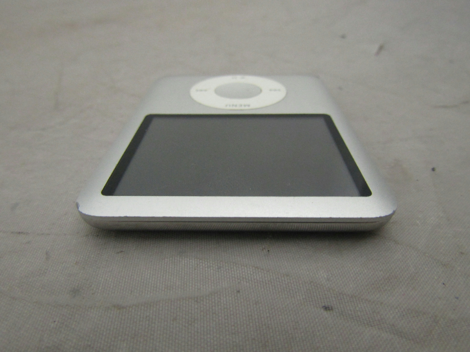 Apple Ipod Nano 3rd Gen 4gb Silver Model A1236 Parts