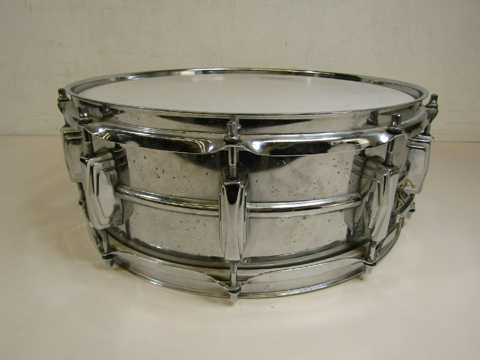 vintage 1970s ludwig percussion supraphonic 14x5 silver snare drum w case ebay. Black Bedroom Furniture Sets. Home Design Ideas